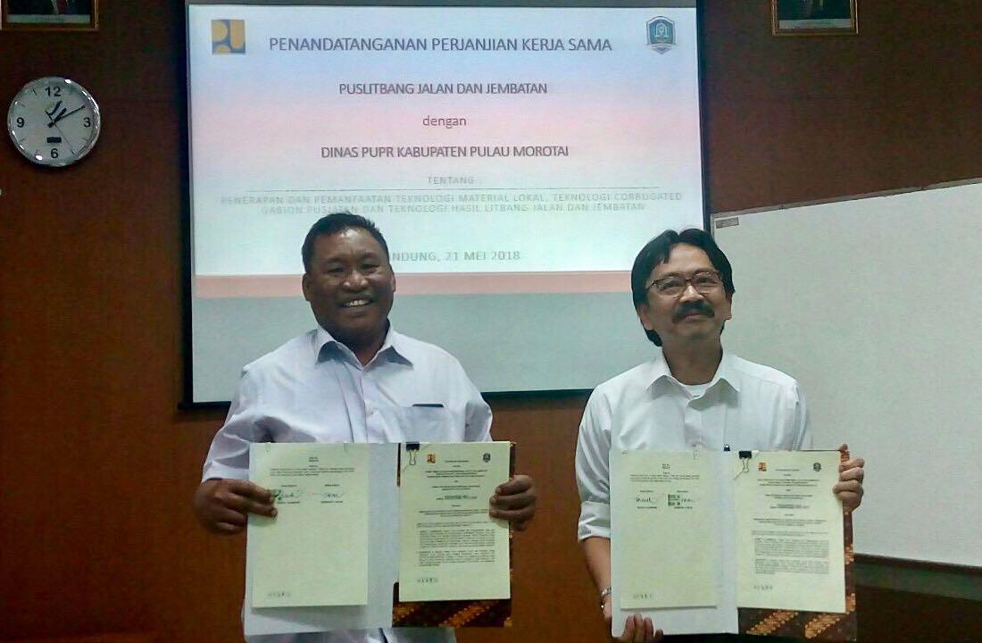 Pusjatan dan Dinas PUPR Kabupaten Pulau Morotai Tandatangani Perjanjian Kerja Sama