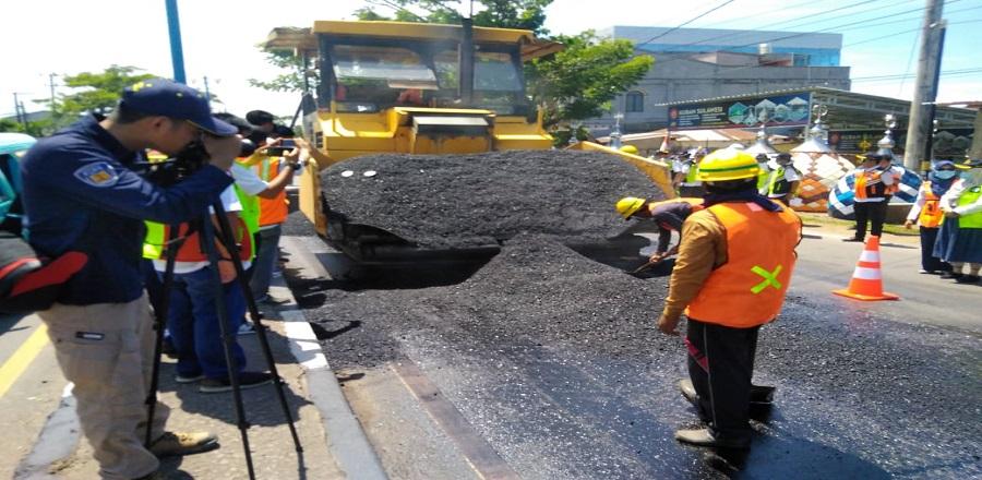 Penerapan asbuton full ekstraksi di ruas jalan Maros - Pangkep Sulawesi Selatan